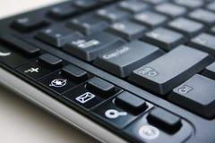 Zwart toetsenbord met Internet sleutel Stock Afbeeldingen