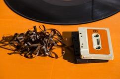 Zwart vinylverslag op gekleurde achtergrond Stock Afbeelding
