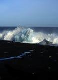 Zwart vulkanisch strand en icebe Stock Fotografie