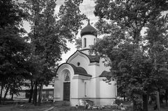 zwart-wit beeld De kapel van Dmitry Donskoy buiten de Oostelijke muur van het Andronikov-klooster moskou Royalty-vrije Stock Afbeeldingen
