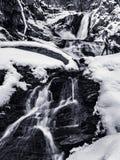 Zwart-wit de Dalingslandschap van het de Winterwater van Sanderson-Beek F stock fotografie