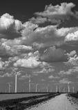 Zwart-wit het landbouwbedrijf van de West- windturbine Texas Lubbock Stock Foto