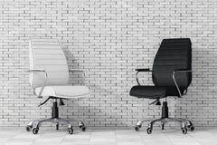 Zwart-wit Leer Chef- Office Chairs het 3d teruggeven Royalty-vrije Stock Fotografie
