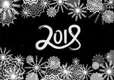 Zwart-wit Nieuwjaar 2018 hand getrokken concept Dalende sneeuwachtergrond met gloed en fonkelingen Sneeuwvlokkensamenvatting Stock Foto