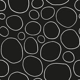 Zwart-wit organische rondes Hand getrokken abstracte achtergrond Stock Afbeeldingen