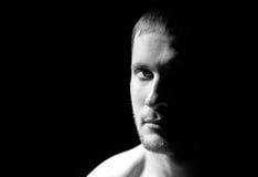 Zwart-wit portret van de mens royalty-vrije stock foto