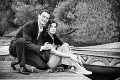 Zwart-wit Portret van Gelukkig Paar in Liefde Royalty-vrije Stock Afbeelding