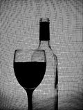 Zwart-wit van het Glaswerk van de Wijn Ontwerp Als achtergrond. Royalty-vrije Stock Fotografie
