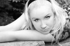 Zwart-wit vrouwenportret Stock Foto