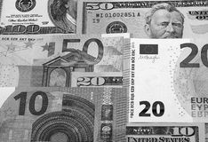 Zwart-witte Amerikaanse dollar en euro abstracte achtergrond stock foto's