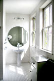 Zwart-witte badkamers stock foto's
