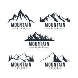 Zwart-witte Bergontdekkingsreiziger Adventure Badge Logo, Teken, Pictogram Vectorontwerpset, Inzameling vector illustratie
