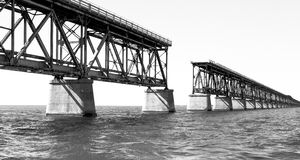 Zwart-witte brug Stock Foto