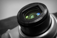 Zwart-witte cameralens royalty-vrije stock afbeelding