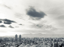 Zwart-witte cityscape Royalty-vrije Stock Foto's