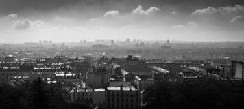 Zwart-witte Cityscape van Parijs Stock Foto's
