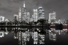 Zwart-witte de horizonmening van Melbourne stock afbeeldingen