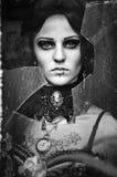 Zwart-witte foto van het mooie meisje Stock Fotografie