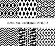 Zwart-witte geometrische naadloze de patronenreeks van de ikat Aziatische traditionele stof van zes, vector vector illustratie