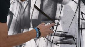 Zwart-witte graffiti stock videobeelden