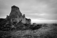 Zwart-witte kasteelruïnes stock foto's
