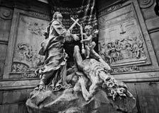 Zwart-witte plaagkolom in Wenen Stock Foto