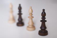 Zwart-witte schaakbischoppen royalty-vrije stock afbeeldingen