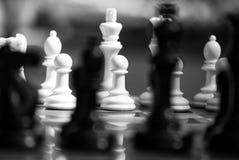 Zwart-witte schaakstukken Stock Foto's