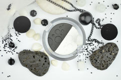 Zwart-witte schoonheidsmiddelen Stock Foto