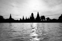 Zwart-witte silhouetpagode Royalty-vrije Stock Afbeeldingen