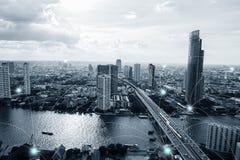 Zwart-witte slimme stad met netwerkverbindingen Royalty-vrije Stock Afbeeldingen