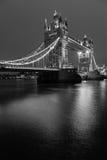 Zwart-witte torenbrug royalty-vrije stock foto's