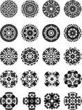 Zwart-witte vectorsneeuwvlokken en sterren royalty-vrije stock afbeelding