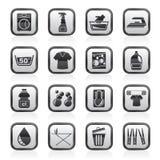 Zwart-witte wasmachine en wasserijpictogrammen Stock Afbeelding