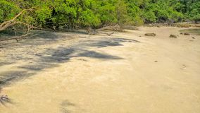 Zwart zand op een strand Huatulco Nationaal Park, Oaxaca Reis in Mexico royalty-vrije stock fotografie