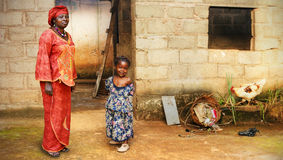 Zwarte Afrikaanse meisje en moeder Royalty-vrije Stock Foto