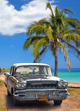 Zwarte Amerikaanse klassieke auto  Stock Afbeelding