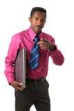 Zwarte Amerikaanse zakenman Afro met bandcomputer Stock Fotografie