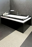 Zwarte badkuip royalty-vrije stock fotografie