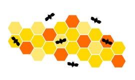 Zwarte bijen die rond hun honingraat op witte achtergrond vliegen Royalty-vrije Stock Afbeelding