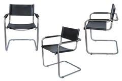 Zwarte bureaustoel die op witte achtergrond wordt geïsoleerde Royalty-vrije Stock Afbeeldingen