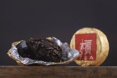 Zwarte Chinese thee puer royalty-vrije stock afbeeldingen