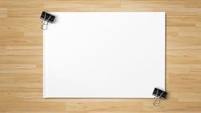 Zwarte die paperclippen op Witboek worden ge?soleerd royalty-vrije stock foto's