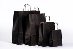 Zwarte document zakken met handvatten voor het winkelen Royalty-vrije Stock Fotografie