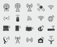 Zwarte draadloze pictogrammen Vastgestelde pictogrammen voor de toegang van de wificontrole en Ra Royalty-vrije Stock Foto