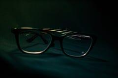Zwarte en bruine glazen Stock Afbeelding
