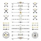 Zwarte en gouden hand getrokken pijlen en geplaatste verdelerspictogrammen Royalty-vrije Stock Fotografie