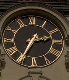 Zwarte en gouden klok (3646) Royalty-vrije Stock Afbeeldingen