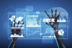 Zwarte en rode robothanden, infographicsinterface Stock Afbeelding