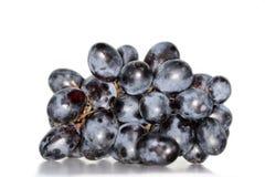 Zwarte geïsoleerden druiven stock afbeeldingen
